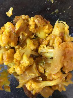 gobhi-curry