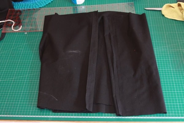 How to sew a monopoly floor cushion or stool (20)