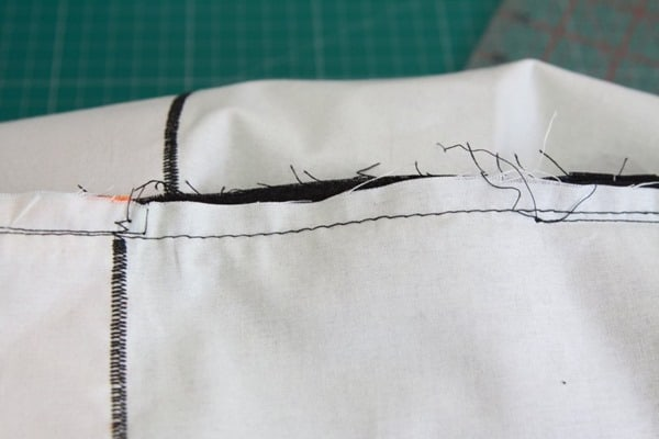 How to sew a monopoly floor cushion or stool (23)