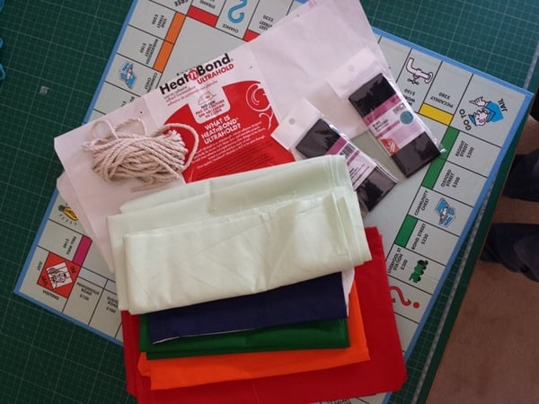 How to sew a monopoly floor cushion or stool (2)