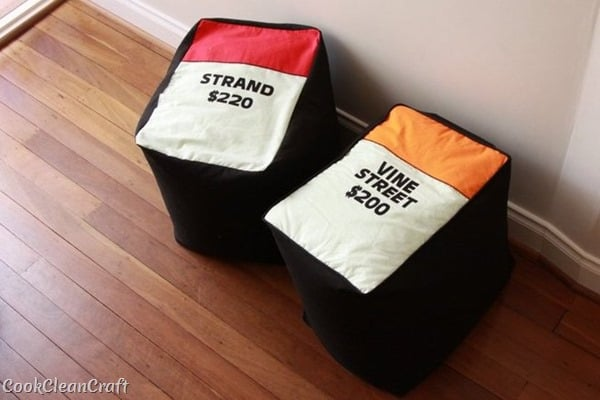 How to sew a monopoly floor cushion or stool (32)