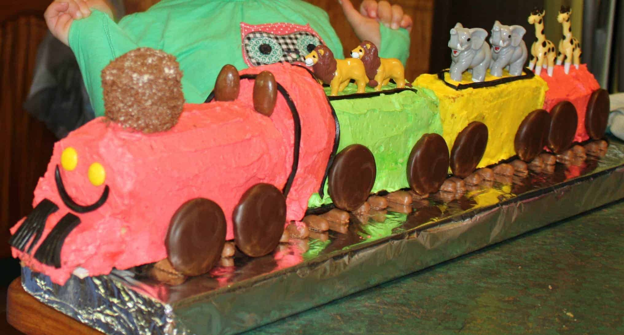 Cooker and a Looker Train Cake