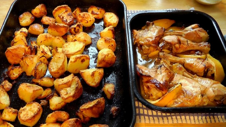 Christmas Roast Chicken with Roasted Potatoes – Cooking Videos.