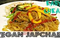 QUICK DINNER: EASY VEGAN JAPCHAE – Korean Glass Noodle – Cheap Lazy Vegan