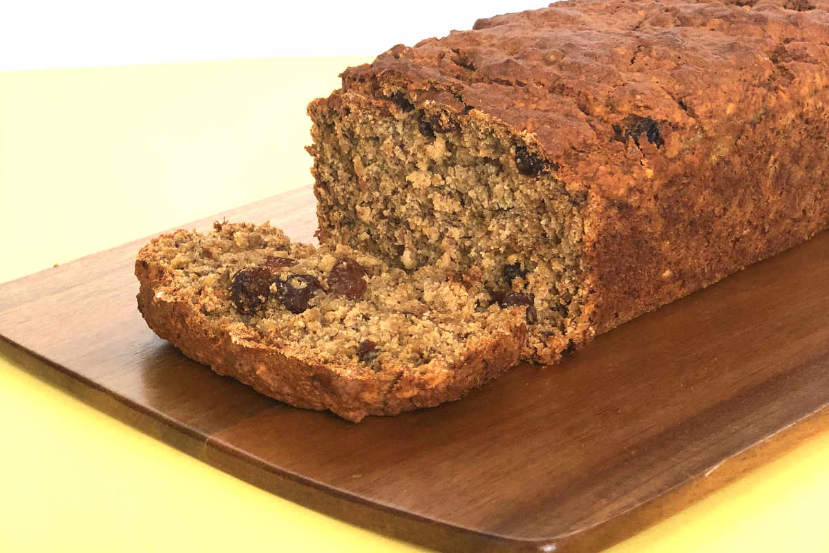 Vegan Banana Bread with Oats and Raisins