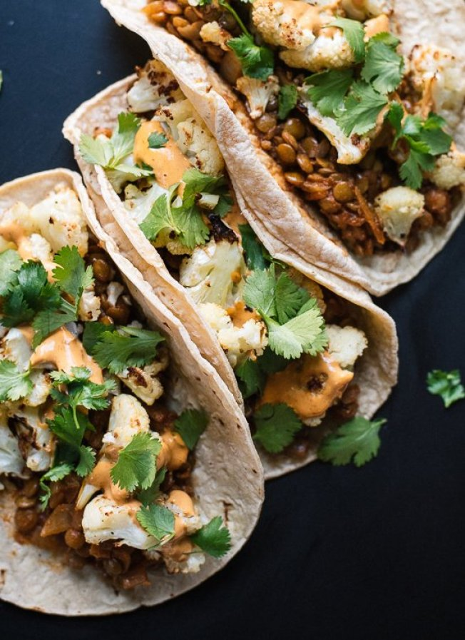 quick and easy dinner ideas, simple dinner ideas, roasted cauliflower and lentils tacos