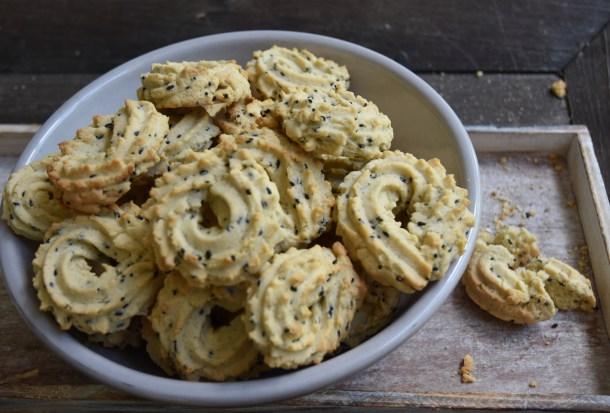 sesame ginger cookie spritati cookie