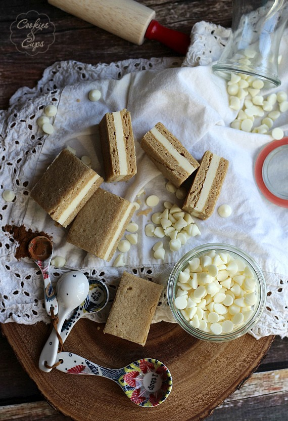 White Chocolate Ganache Filled Brown Sugar Snickerdoodle Bars | Cookies and Cups