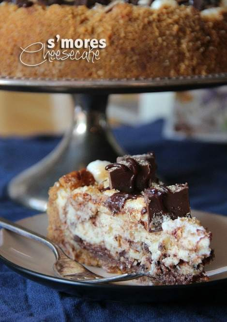 S'mores Cheesecake | www.cookiesandcups.com #cheesecake #smores #hershey