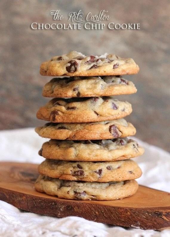 The Ritz Carlton Chocolate Chip Cookie | www.cookiesandcups.com