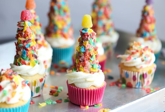 Fruity Pebble Party Hats!! SO simple to make and adorable for any party...you can topa cupcake with them or have them as a cute treat on their own!
