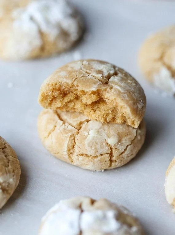 Brown Butter Cinnamon Crinkle Cookies are possibly the coziest cookie to ever exist. They're sweet, full of brown butter and cinnamon goodness coated in melt in your mouth powdered sugar that gives them the perfect crinkle look!