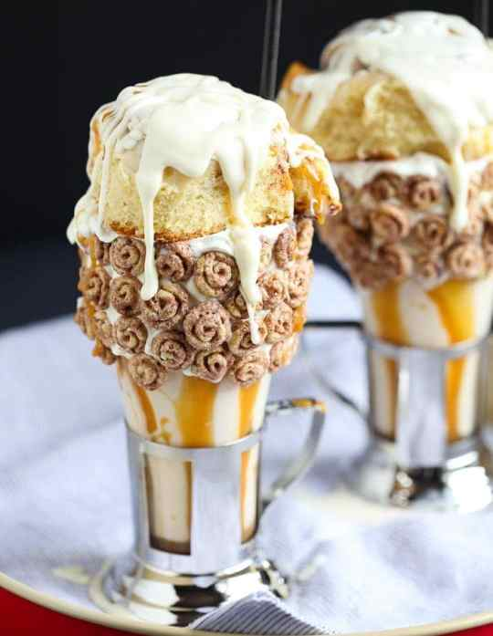 Cinnamon Roll Milkshakes ala Black Tap! CRAZY over the top, but totally delicious!