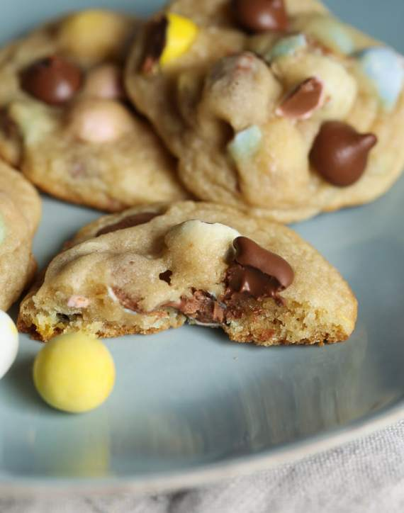 Cadbury Chocolate Egg Cookies... soft cookies with sweet milk chocolate with crunchy candy shells!