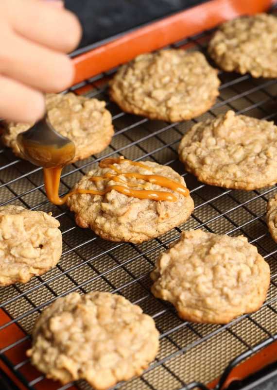 Caramel Apple Oatmeal Cookies! These are chewy, sweet and prefect for the fall season!