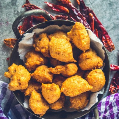 South Indian Medu Wada | Lentil Fritters
