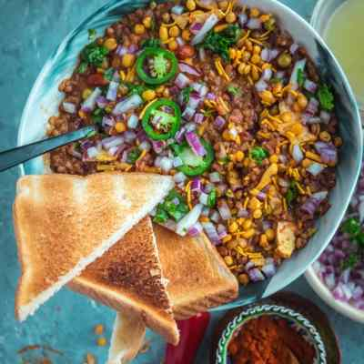 Learn how to make Vegan Matki Misal in an Instant Pot