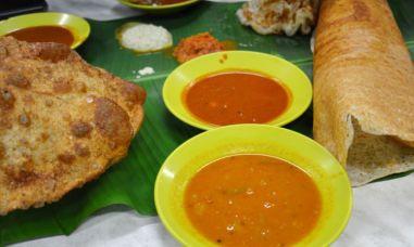 fish curry street food in kuala lumpur