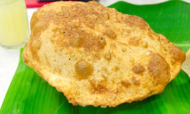 deep fried rotii street food in kuala lumpur
