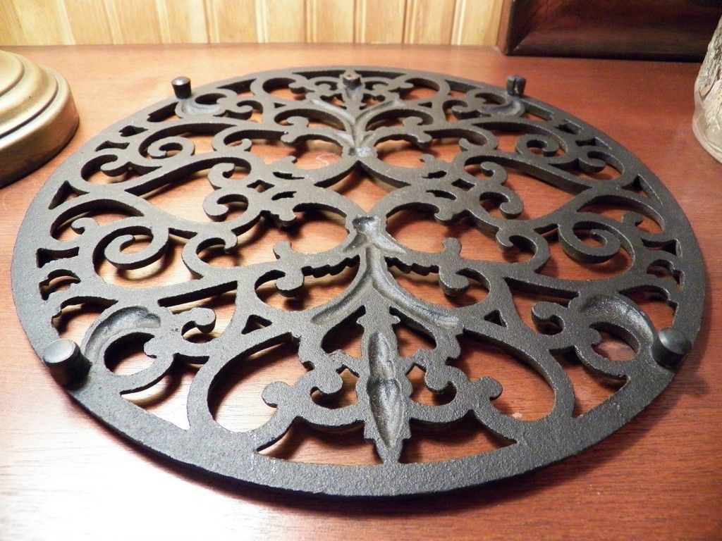 Trivet 12 Round Ornate Cast Iron Mary And Toms Kitchen