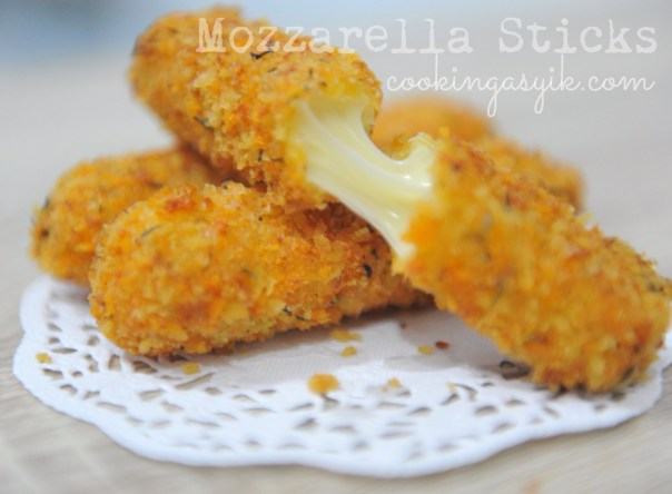 http://www.laurainthekitchen.com/recipes/mozzarella-sticks/