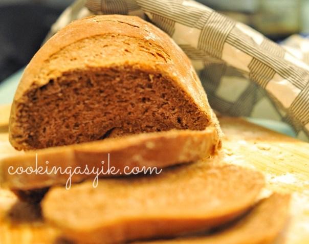 membuat roti gandum, roti gandum ala outback steakhouse, roti gandum madu, roti gandum kopi, roti gandum coklat, resep membuat roti gandum, bushman bread, membuat bushman bread mudah, apa itu bushman bread