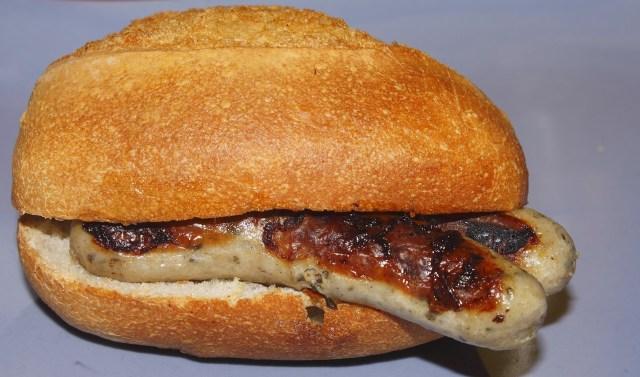 bratwurst in bun