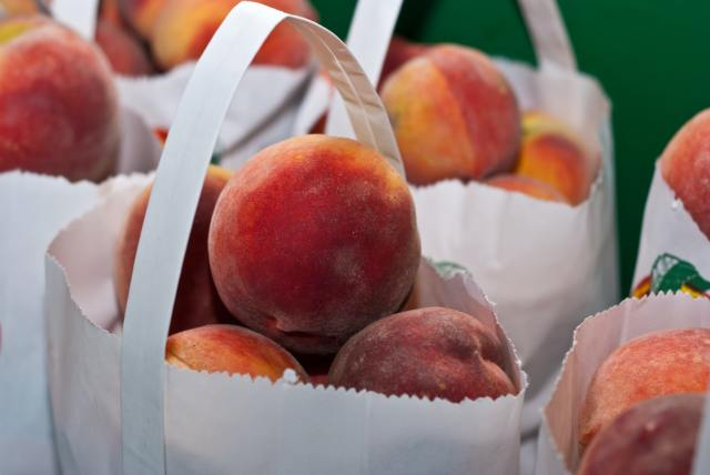 stored-peaches