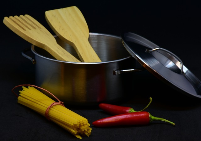 55e9d54a4d53af14f6da8c7dda793278143fdef852547440772a7ad6934a 640 - Need Help In The Kitchen? Check Out These Tips To Cook Like A Pro!