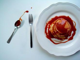 https://cookingbrainsblog.wordpress.com/2012/11/11/brilliant-breakfasts-fudgy-yoghurt-pancakes/