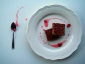 https://cookingbrainsblog.wordpress.com/2012/12/02/no-bake-cake-dr-liz-cranberry-spacecake/