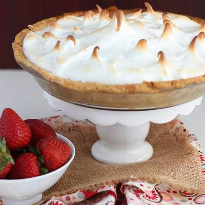 Strawberry Rhubarb Meringue Pie