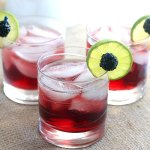 Blackberry limeade recipe combines juicy blackberries, lime juice and sparkling wine for a tasty and refreshing spritzer cocktail.