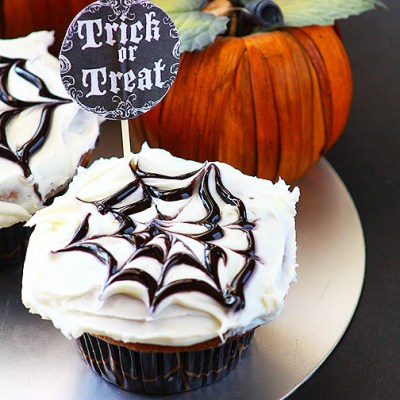 Nutella Filled Pumpkin Spice Halloween Cupcakes
