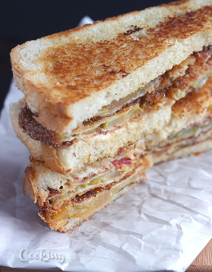 Smoked Pimento Cheese and Fried Green Tomato Sandwich - CookingBride.com