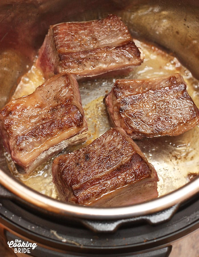 browning the shortribs in oil