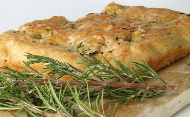 rosemary-olive-oil-foaccia
