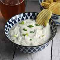 Super Easy Spicy Green Onion Dip #SundaySupper