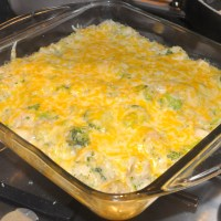 Cheesy Chicken and Broccoli Rice Casserole