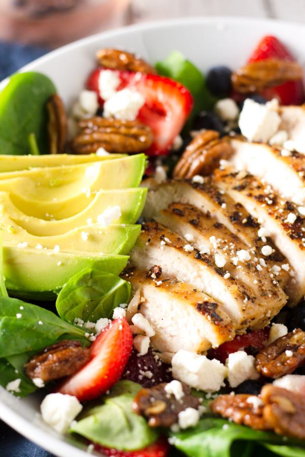 strawberry spinach salad with herbed chicken and feta