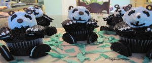 How to Decorate Panda Cupcakes