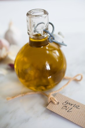 Garlic oil-1-2