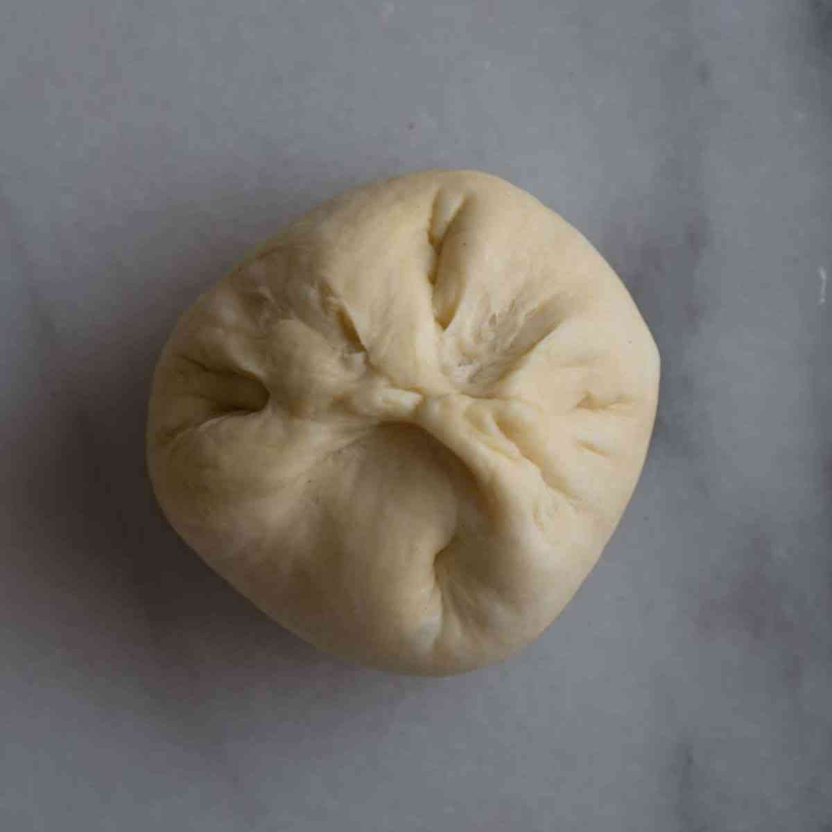 How to assemble custard bun.