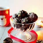 We have so much to do before Christmas, so these easy homemade truffles 3 ways will save your time, preparing your festive table or edible Christmas gifts! You will need only few ingredients, no baking and only 10 minutes to make these Christmas desserts!