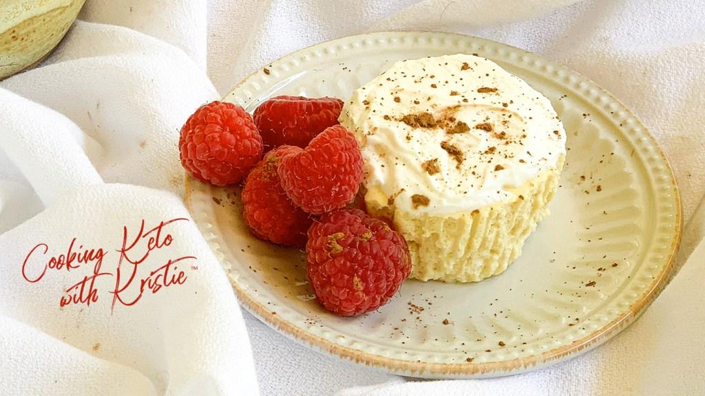 Keto mini-cheesecakes