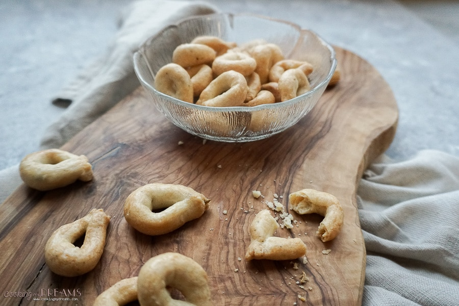 side view on a bowl with taralli