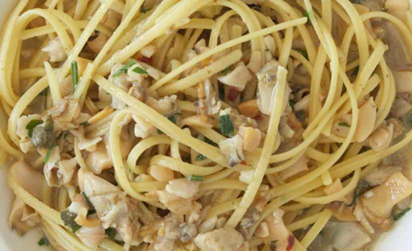Pasta and clam sauce