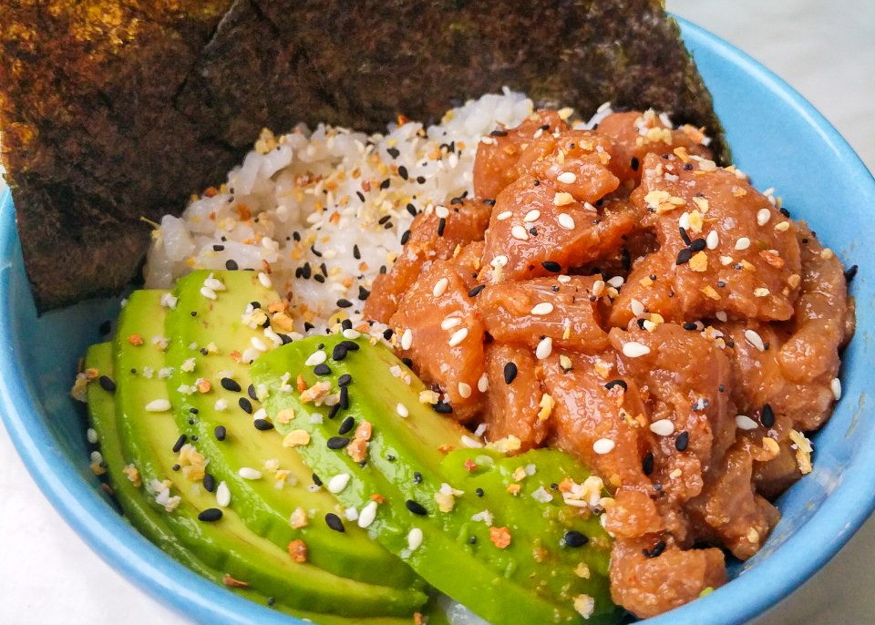 simple salmon poke bowl japanese hawaiian style food