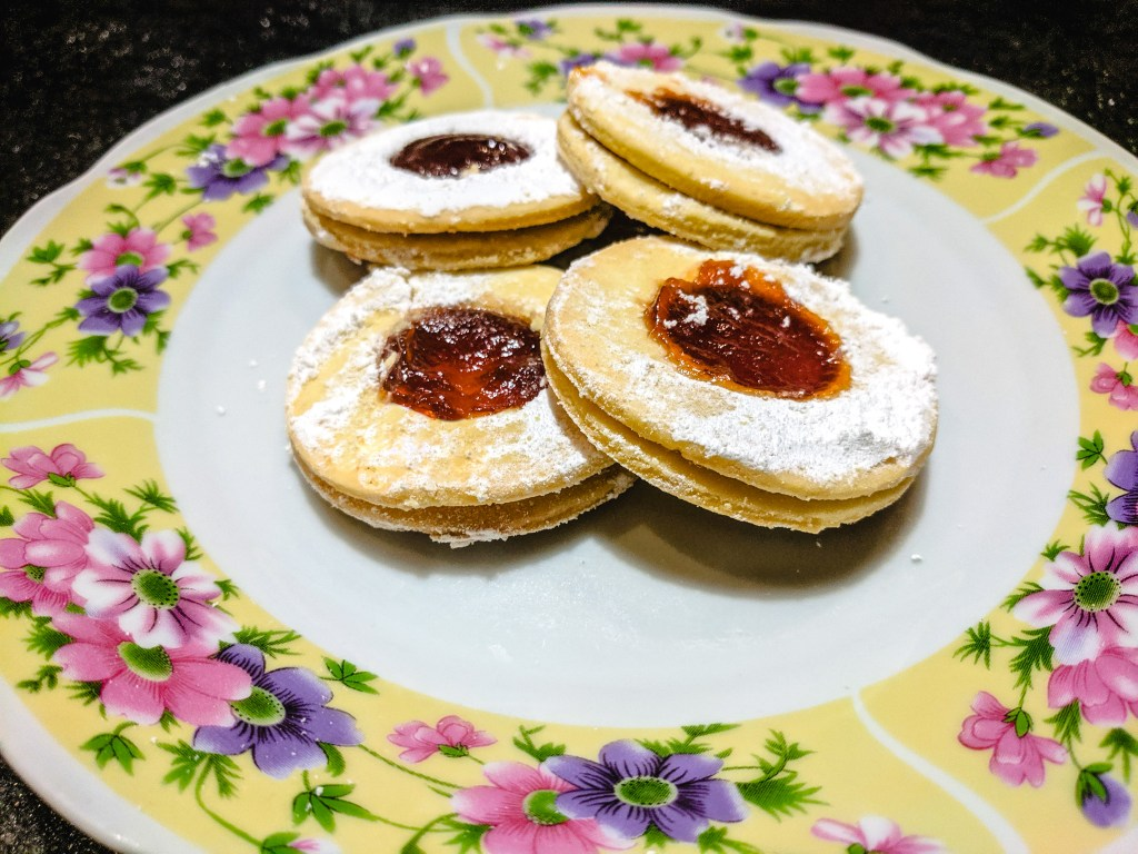 Shortbread Cookies with Strawberry Jam