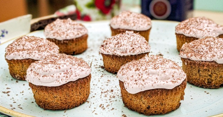 Earl Grey Cupcakes With Blackberry Mascarpone Mousse Recipe